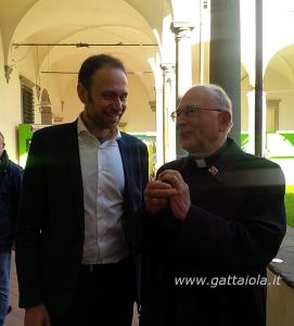 Gabriele Bove, assessore del Comune di Capannori, e il Vescovo di Lucca, Monsignor Italo Castellani, durante il giro inaugurale