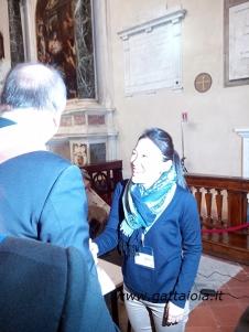 Le autorità salutano Yuki Tokuo, in rappresentanza dell'ufficio culturale dell'Ambasciata Giapponese in Italia (con stand al Japan Town)