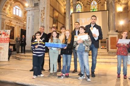 """Vincitori classi quarte: """"Acchiappa il pesciolino"""" (scuola Don Aldo Mei di Bozzano – Massarosa-)"""