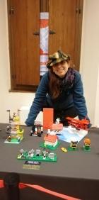 Laura Epifani con il suo Soopy LEGO