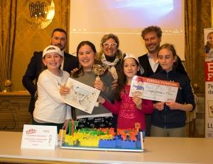 """Le 4 giovani inventrici de """"Il labirinto stagionato"""" con Davide Trane, Anna Benedetto, Mario Pardini"""